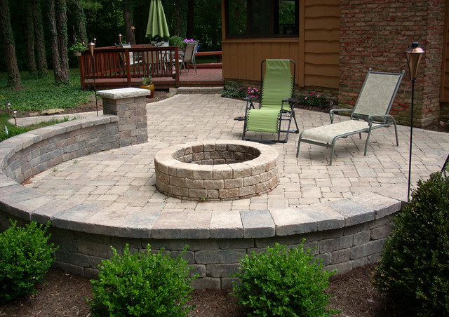 Outdoor Entertainment Fire Pit