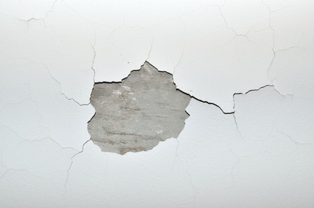 Benjamin Moore Tips How To Fill Cracks And Holes